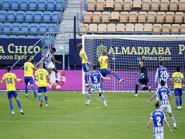 Soi kèo Cadiz vs Valladolid, 03h30 ngày 30/12 – La Liga